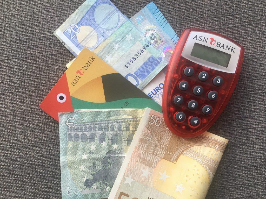 Geld en pasjes
