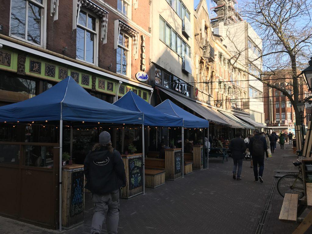 Foto van de Grote Markt in Den Haag.